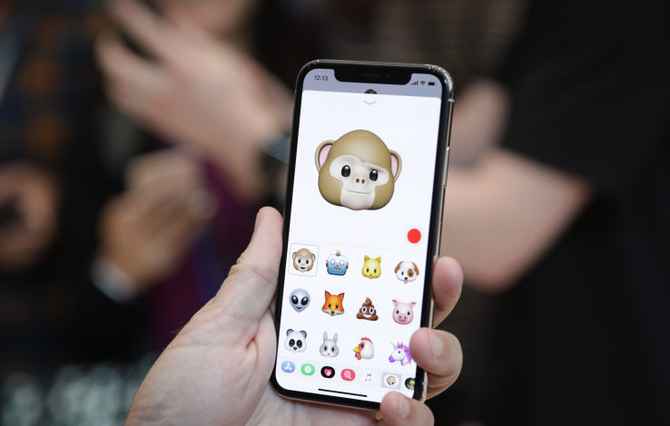 Apple could launch a bigger iPhone X Plus next year, report says